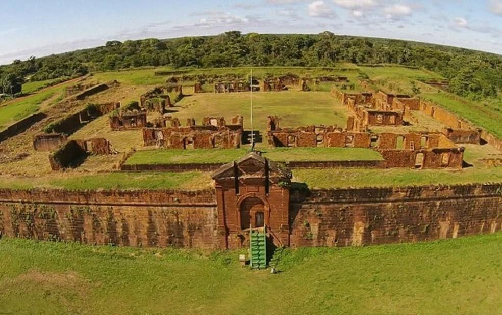 Forte foi construído na fronteira com a Bolívia (Foto: Rede Globo/Reprodução)