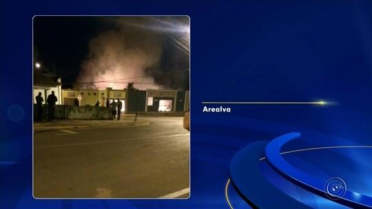 Incêndio destrói restaurante no centro de Arealva