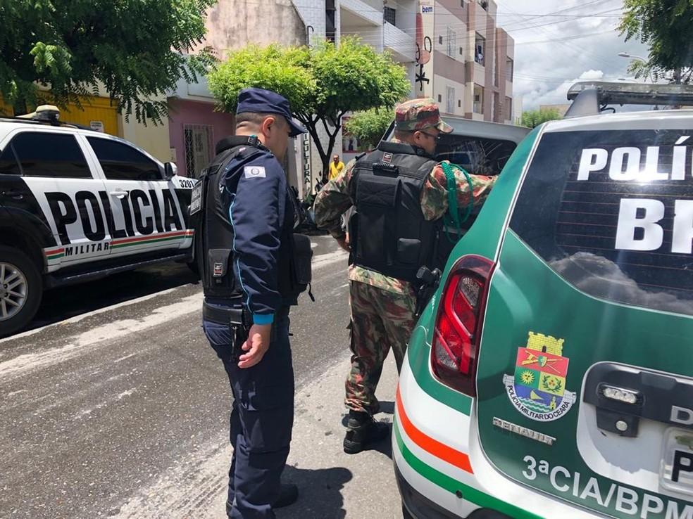 Policiais foram presos durante operação em Sobral — Foto: Maristela Gláucia/Sistema Verdes Mares