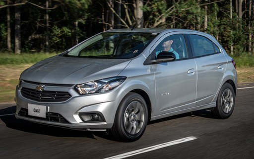 Chevrolet Onix Ganha Nova Versao Com Cambio Automatico Por R 53 990 Autoesporte Noticias