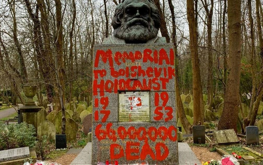 Túmulo De Karl Marx Em Londres é Vandalizado Novamente