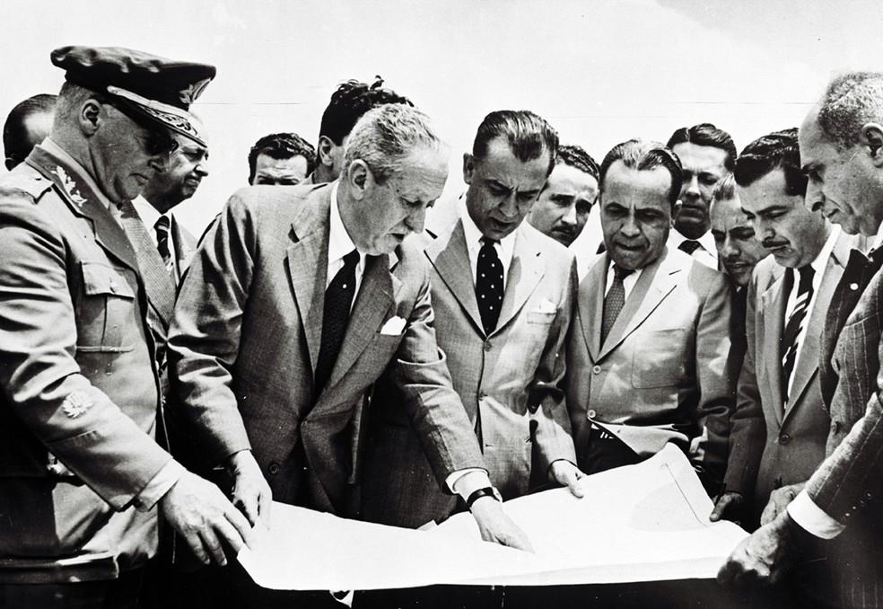 Praça do Cruzeiro – outubro de 1956: local das primeiras decisões sobre as obras de Brasília — Foto: Arquivo Público-DF/Divulgação