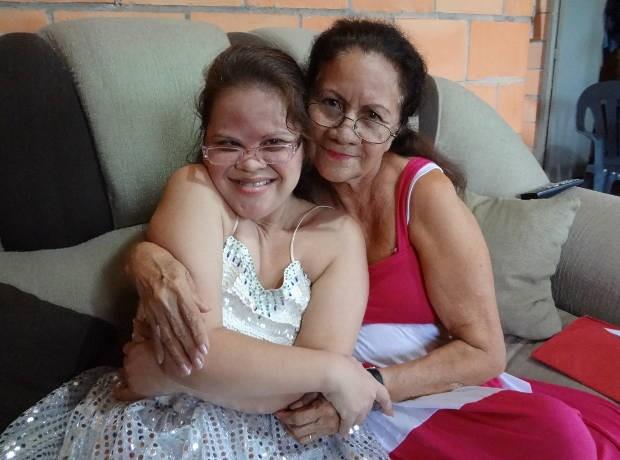 Lana e dona Miolene estão sempre juntas (Foto: Do G1 Pará)