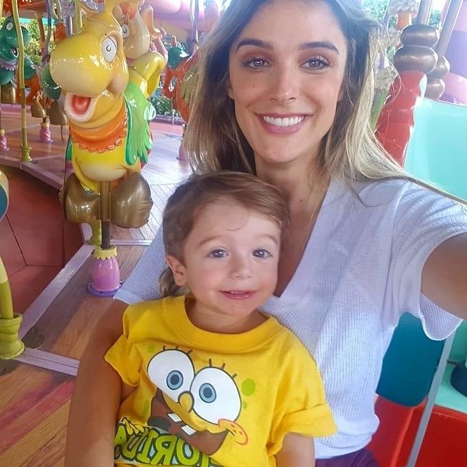 Rafa Brites com o filho Rocco, em viagem à Disney (Foto: Reprodução/Instagram)