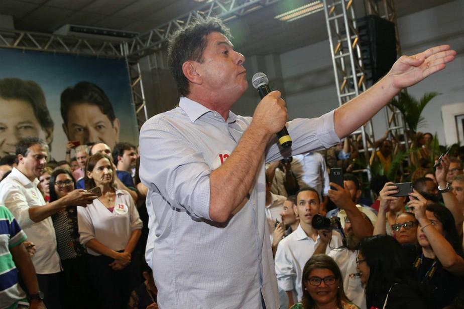Em ato pró-Haddad em Fortaleza, Cid Gomes critica PT: