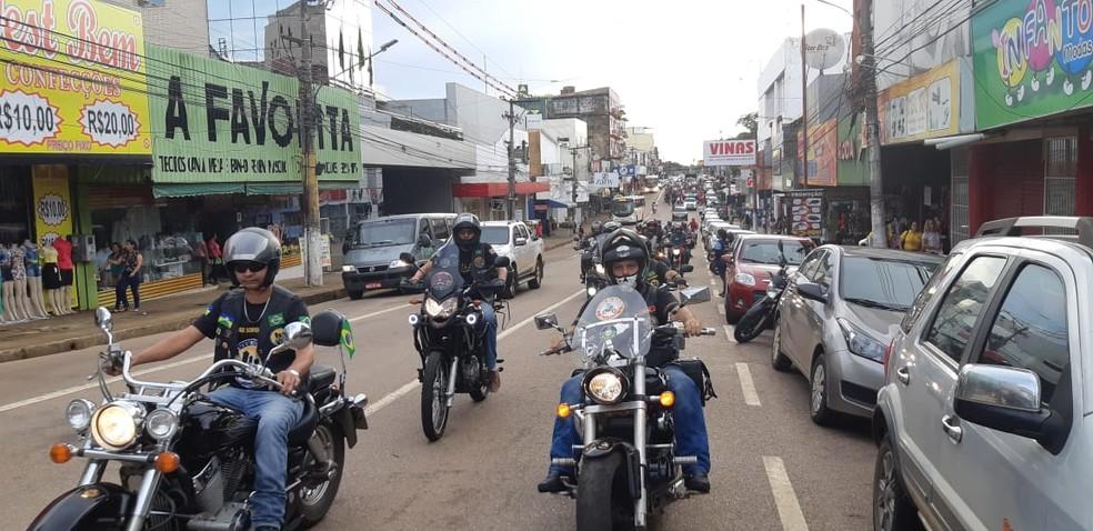 Motociclistas também se uniram a manifesto em Porto Velho — Foto: Toni Francis/G1