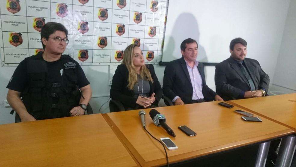PF e Polícia Civil concederam entrevista coletiva sobre a operação (Foto: Nayara Nadja/TV Clube)