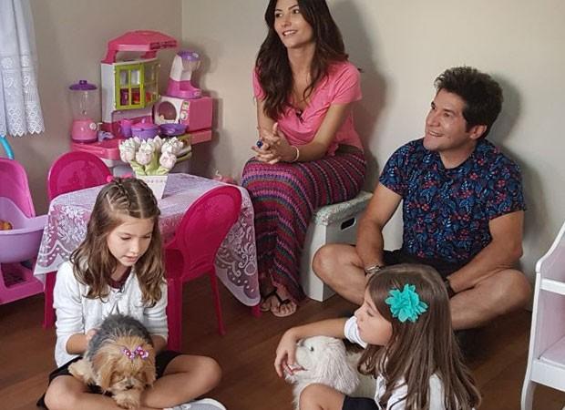Daniel com sua mulher e filhas (Foto: Reprodução)