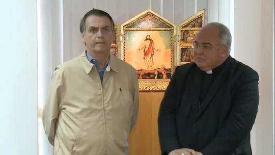 Bolsonaro visita a PF e assina carta de compromisso na Arquidiocese do Rio