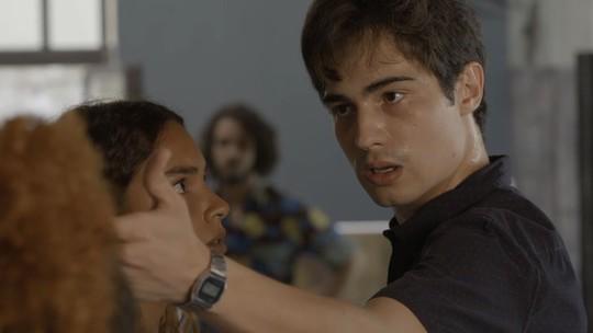 Valentim diz a Ícaro que vai acabar com Luzia: 'Sua mãe está destruindo minha família'