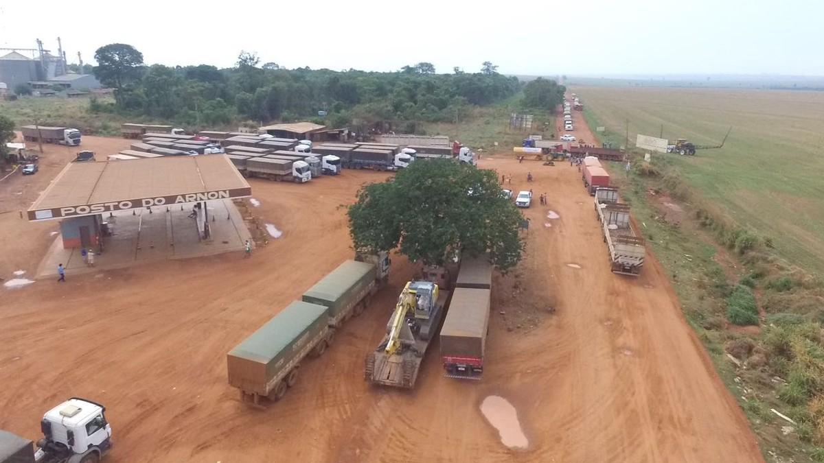 Protesto contra nova rota da BR-158 que irá contornar terra indígena bloqueia rodovia em MT