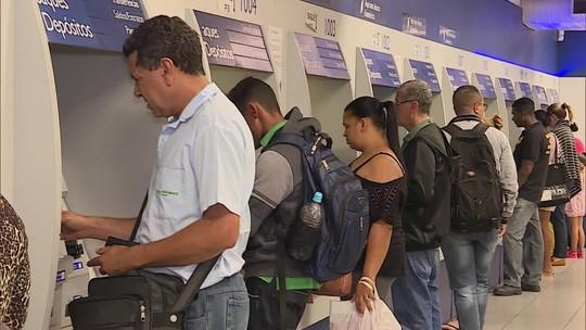 Trabalhadores já podem sacar cotas do PIS que somam R$ 18 bilhões