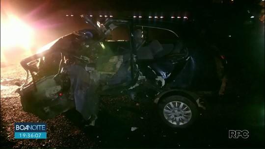 Batida entre carro e caminhão deixa dois feridos na BR-373, em Prudentópolis
