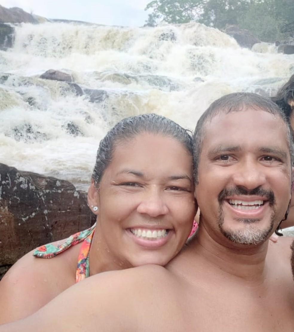 Karla, vítima da Covid-19, e Ítalo se casaram em 2011.  — Foto: Ítalo Silva de Souza/Arquivo pessoal