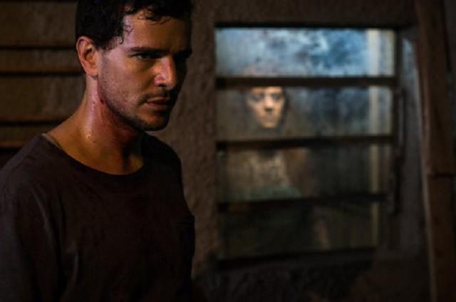 Daniel de Oliveira em 'Morto não fala' (Foto: Divulgação)