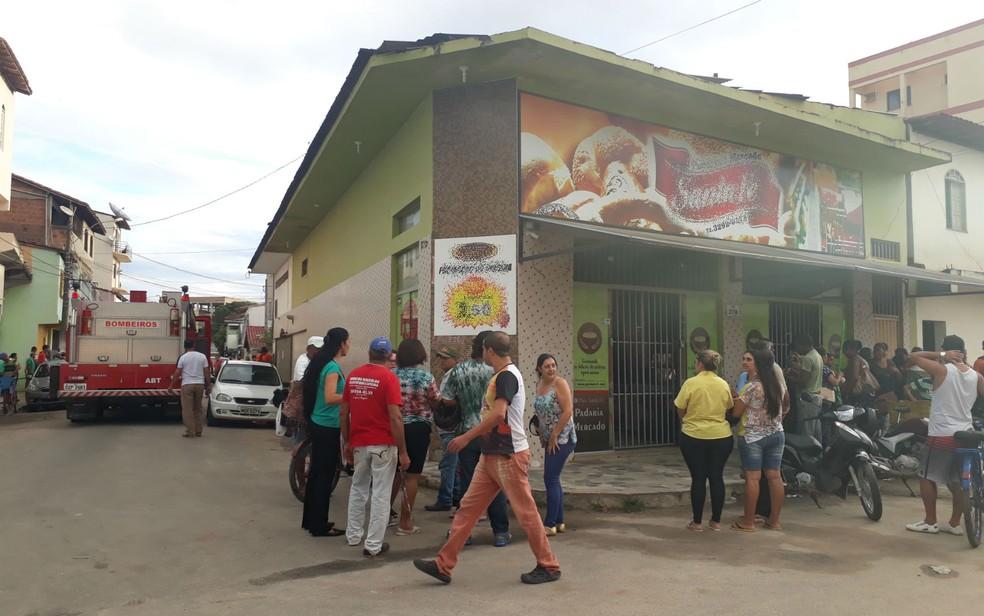 Padaria fica localizada no centro da cidade de Teixeira de Freitas (Foto: Site Verdades Políticas )