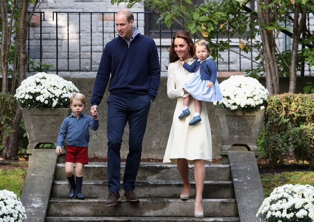 George, os pais e a irmã, Charlotte (Foto: Getty Images)