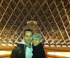 O ator com a namorada na França | Arquivo pessoal