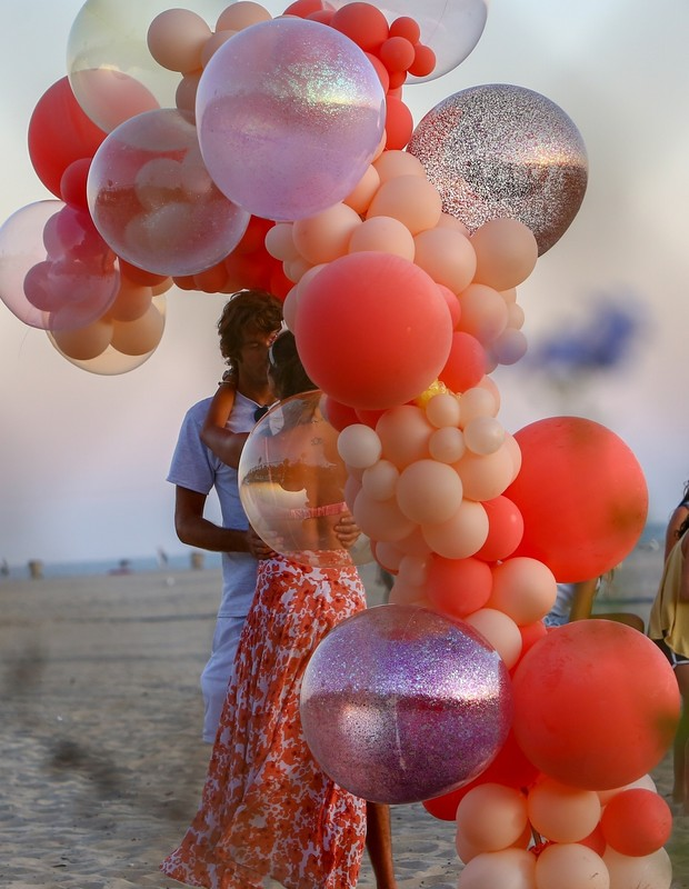 Santa Monica, CA - *EXCLUSIVE* - The birthday party goes on for Janice Ambrosio