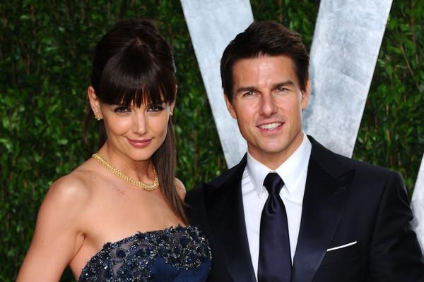 Em 2012, Holmes curtia o Oscar ao vivo com o então marido Tom Cruise (Foto: Getty Images)