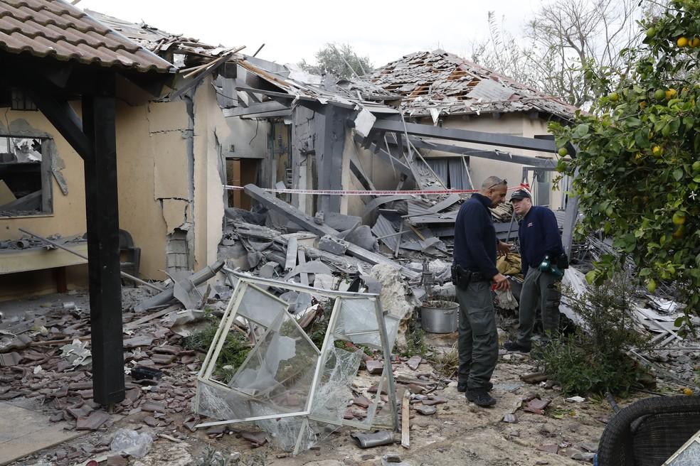 Casa em Israel destruída pelo foguete lançado de Gaza — Foto: Jack Guez/AFP