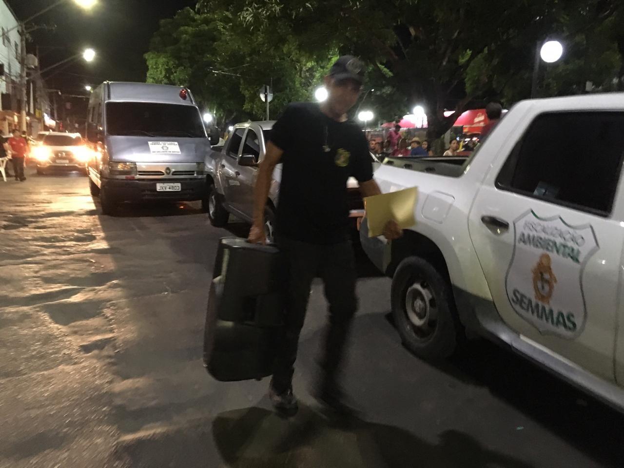 Bar é multado em R$ 26,2 mil por poluição sonora em praça de Manaus