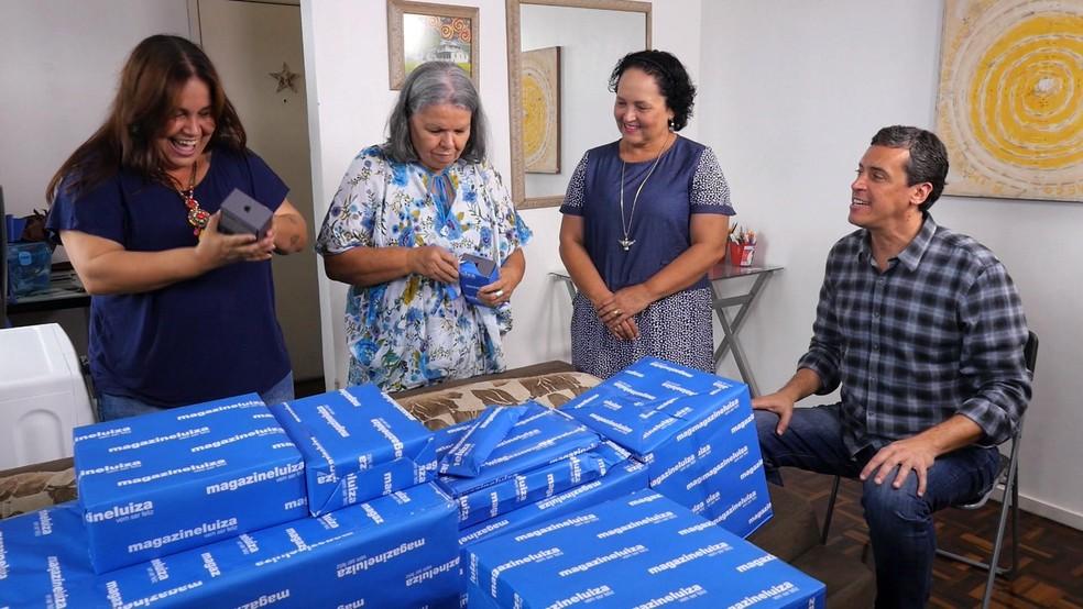 O trabalho lindo e inspirador da Jarina ganhou aquela ajuda do quadro do É de Casa (Foto: Reprodução TV Globo)