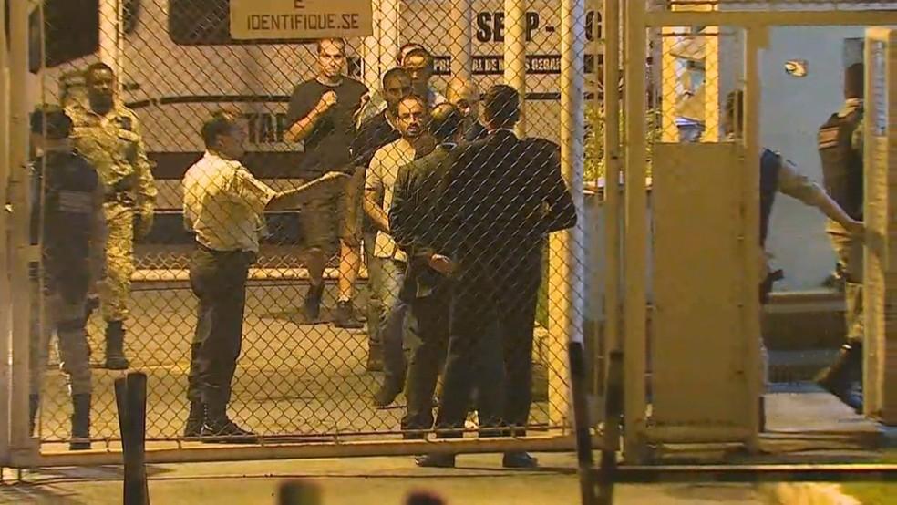 Funcionários da Vale presos desde o dia 15 de fevereiro deixaram penitenciária nesta quinta-feira (28).  — Foto: Reprodução TV Globo