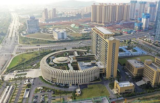 Hospital chinês faz sucesso na internet por formato peculiar (Foto: Divulgação)