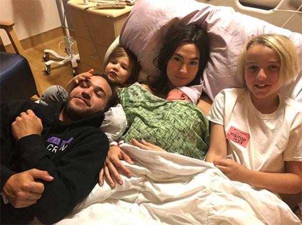Pete Wentz, Meagan Camper e os filhos (Foto: Instagram)