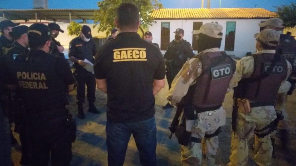 Membros do MP, da Polícia Federal e da Polícia Militar fizeram operação no Alto Oeste — Foto: Cedida
