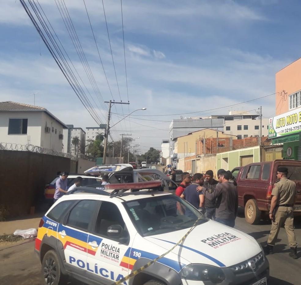 Crime foi na Vila Brasília na manhã desta sexta (Foto: Délio Pinheiro/ Inter TV)