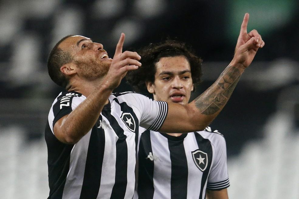 Pedro Castro e Matheus Nascimento marcaram contra o Macaé — Foto: Vitor Silva/Botafogo