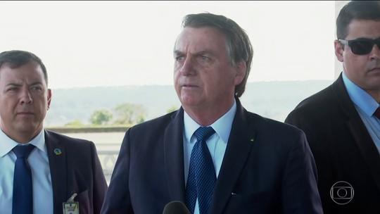 Bolsonaro conversa com Angela Merkel sobre queimadas na Amazônia