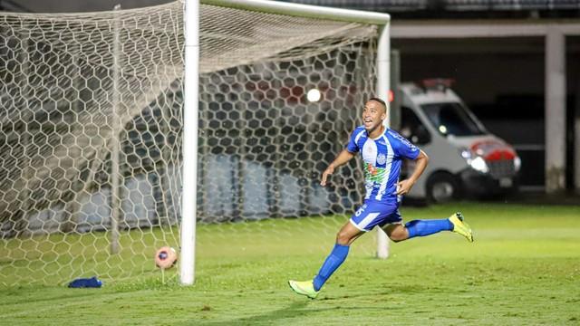 Lucas Peteca marcou o gol da vitória