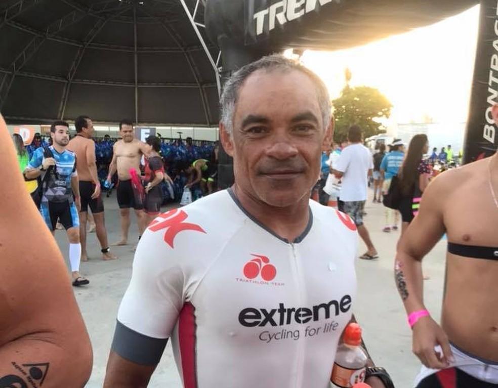 Genilson Lima, 48 anos, desapareceu durante a prova de natação do Ironman (Foto: Reprodução/ Facebook Gabriela Lima)