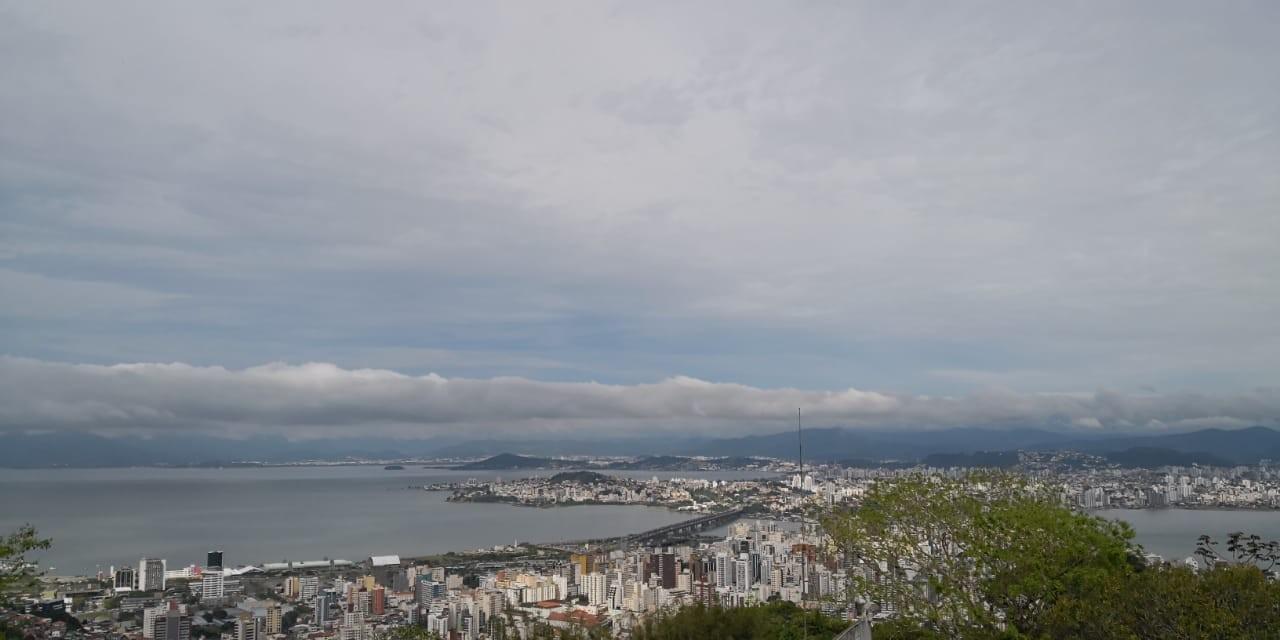 Sábado registra sol entre nuvens e máxima de até 31°C em SC