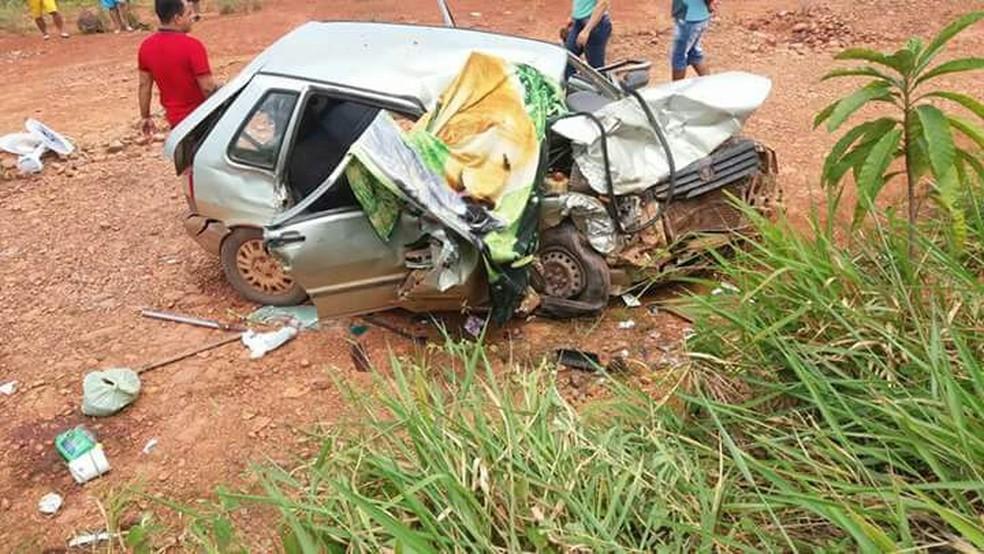 Acidente ocorreu na BR 364 no distrito de Nova Mutum Paraná (Foto: Richard Nunes/Rondônia Ao Vivo)