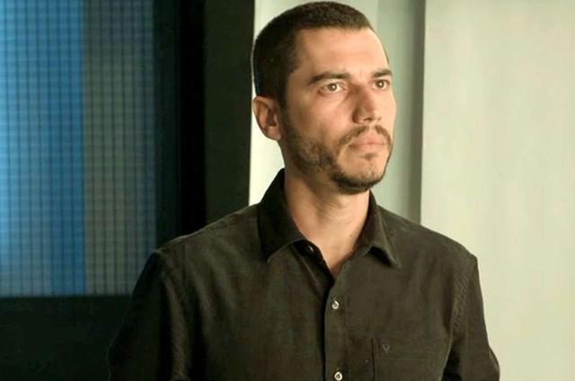 Lee Taylor é Camilo em 'A dona do pedaço' (Foto: Reprodução)