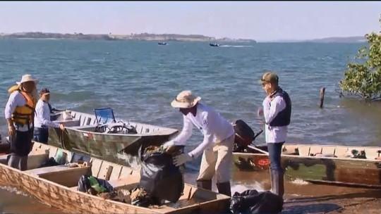 Semana do Meio Ambiente: limpeza é realizada no Rio Paranaíba, em Cachoeira Dourada