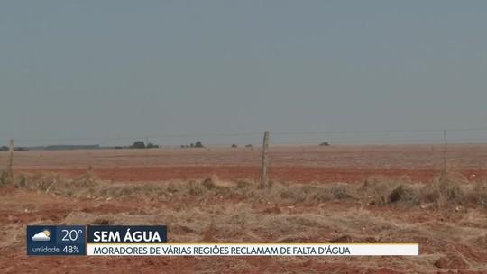 Moradores de regiões abastecidas por córregos e mananciais sofrem com falta d'água