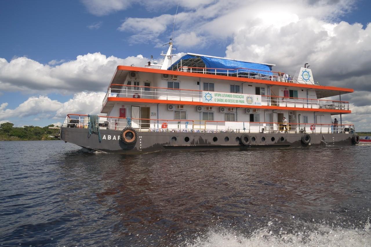 Navio Hospital Abaré finaliza série de expedições em 2020 nas comunidades ribeirinhas da região