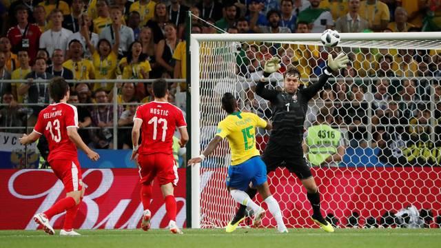 Paulinho marcou o seu primeiro gol na Copa, o oitavo sob o comando de Tite na Seleção