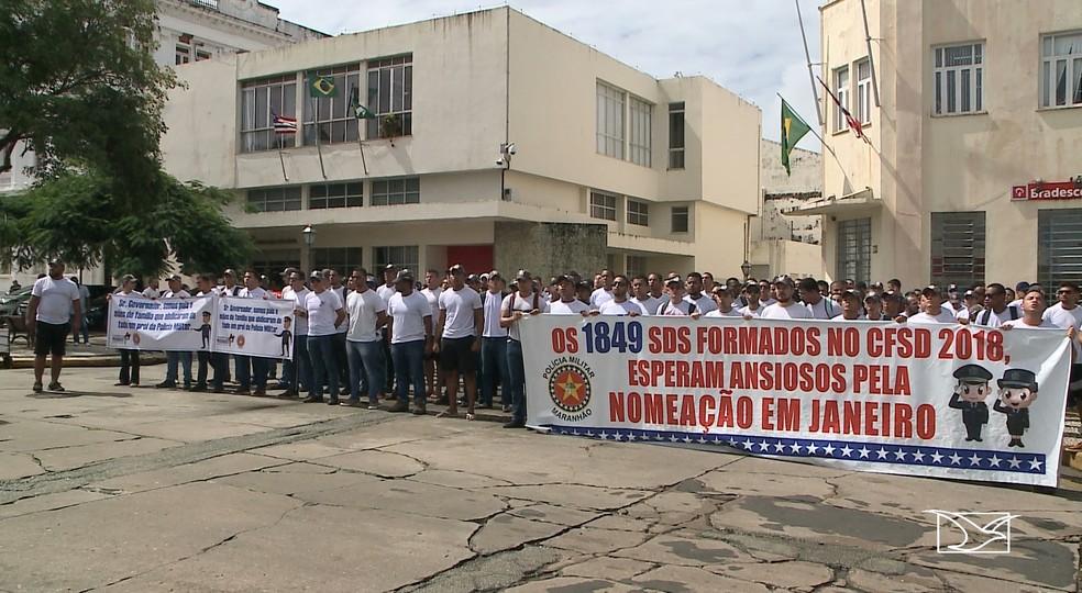 Candidatos aprovados no concurso da Polícia Militar do Maranhão (PMMA) realizam novo protesto em São Luís — Foto: Reprodução/TV Mirante