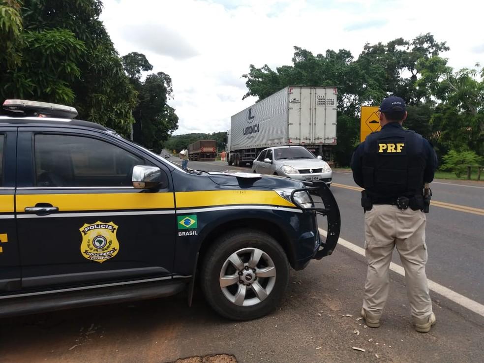 PRF prendeu suspeito durante abordagem na BR-343 — Foto: Divulgação/PRF