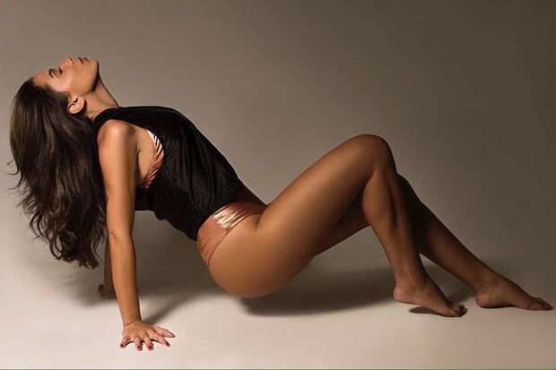 """Anitta estrela ensaio fitness: """"Vivia fazendo dieta e era muito ruim"""""""