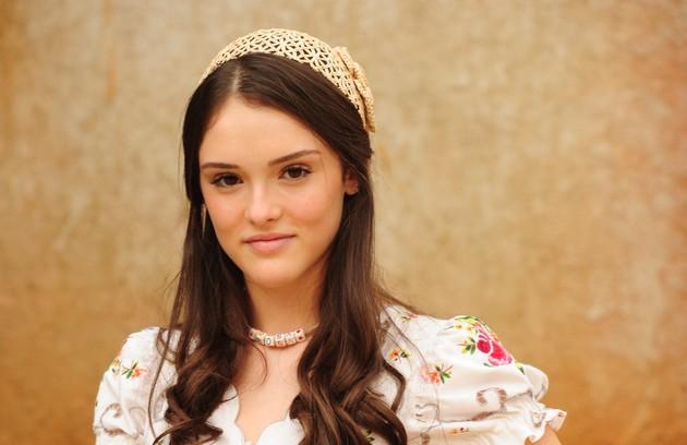 A atriz viveu Rosa em 'Cordel encantado'. A personagem terminou a novela ao lado de Cícero (Miguel Rômulo) (Foto: João Miguel Júnior/TV Globo)