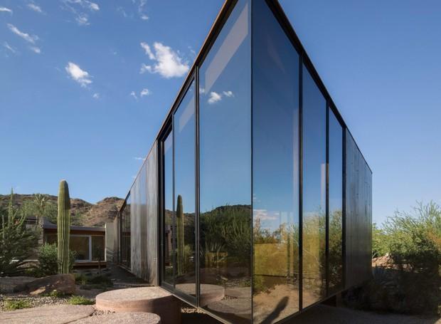 Por dentro do estúdio, o artista pode observar a paisagem de vários ângulos (Foto: Winquist Photography)