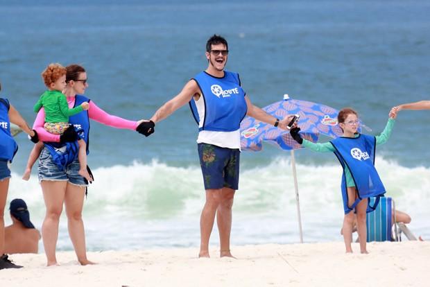 Paula Braun, Matheus Solano e os filhos, Flora e Benjamin (Foto: AgNews)