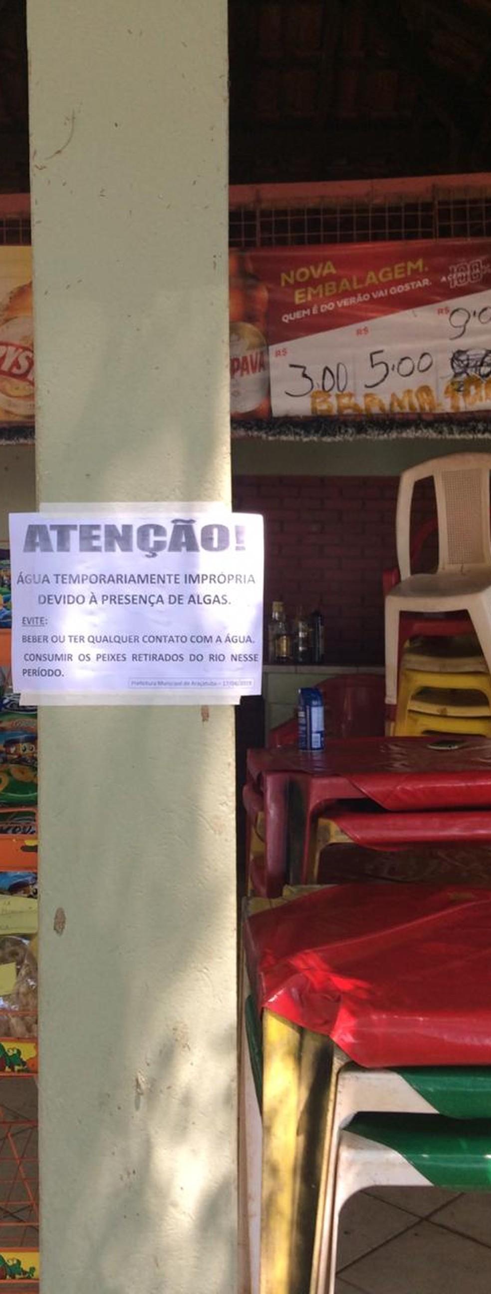 Prefeitura colocou avisos na Prainha Municipal de Araçatuba — Foto: Arquivo Pessoal